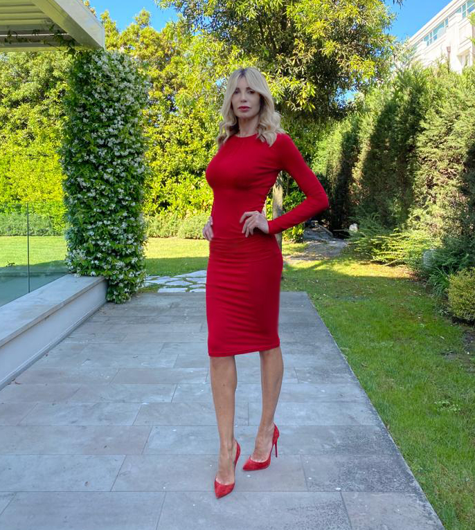 abito rosso tubino